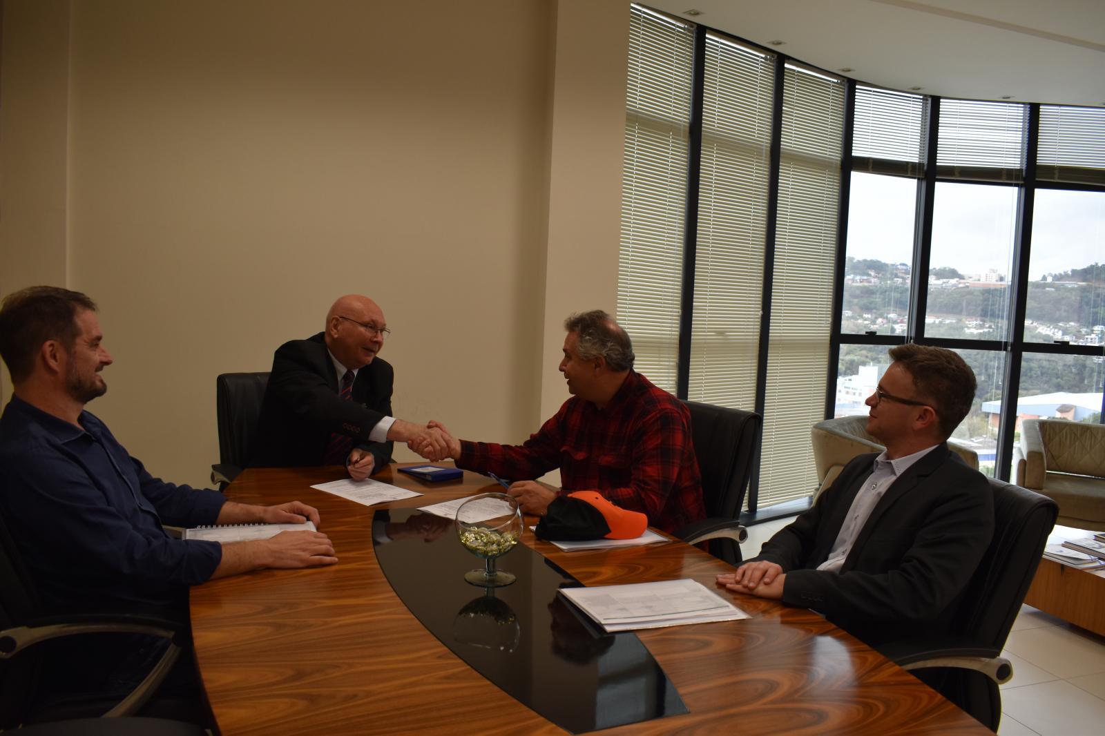 Unoesc firma acordo com a Valle Innovation, INC. do Vale do Silício