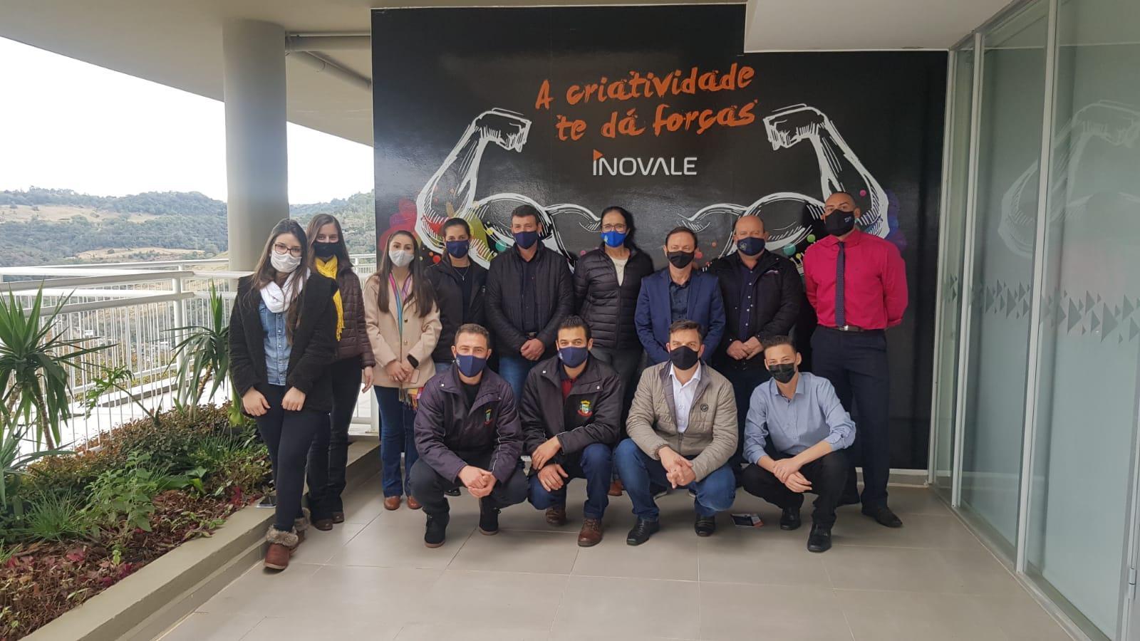 Prefeitos da região visitam a Inovale em Joaçaba